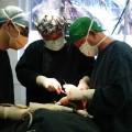 カンボジアでの手術風景